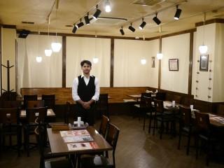 落ち着いた店内・カウンター席もあります。総席数34席。宴会は34名様まで。